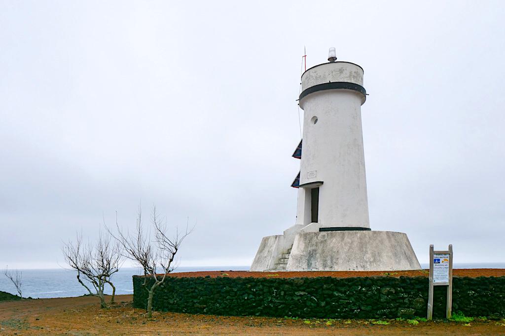 Der Leuchtturm Farol de Sao Mateus in einem der schönsten Weinanbaugebiete auf Pico - Azoren