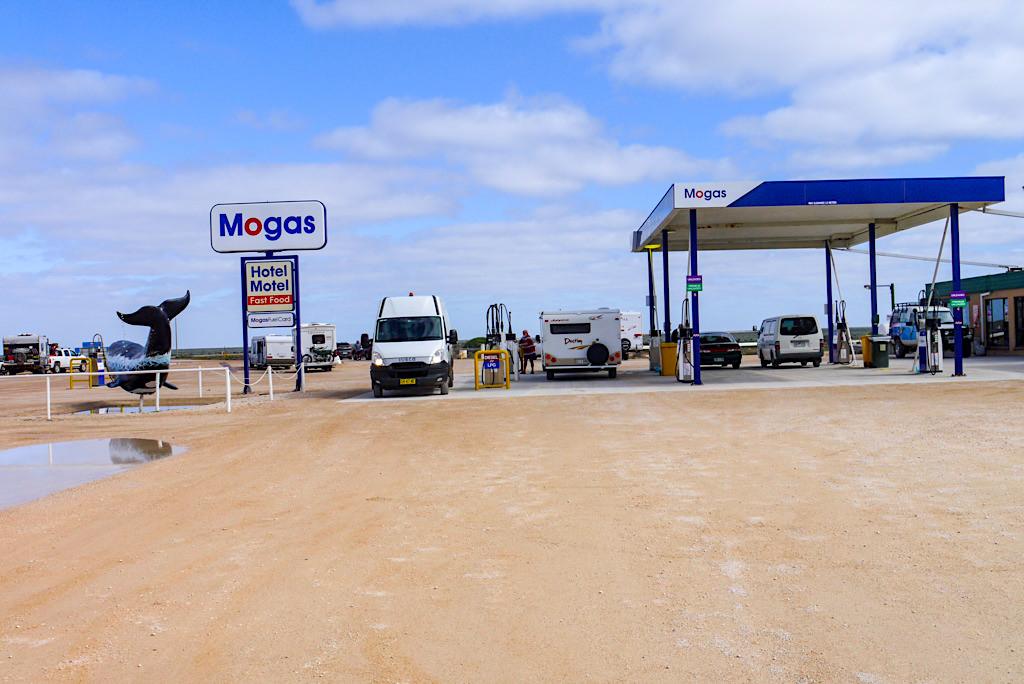Nullarbor Roadhouse: teuerstes Benzin auf der ganzen Durchquerung - Southern Australia
