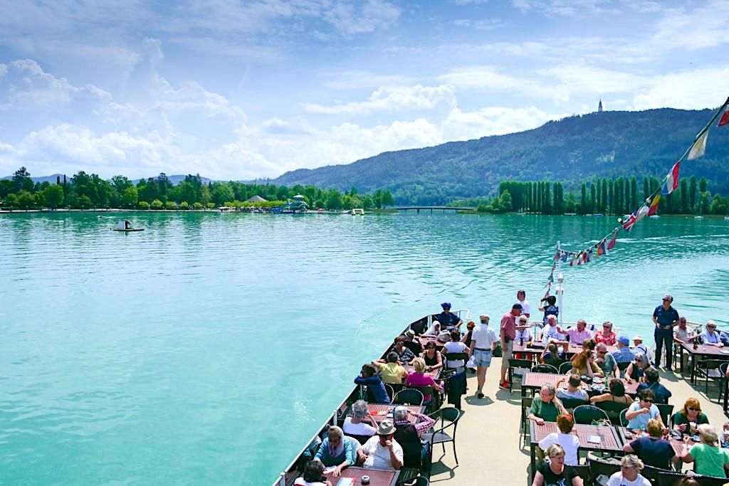 Schifffahrt über den Wörthersee - ein Highlight & Must do, wenn du an der Riviera Österreichs bist - Kärnten, Österreich