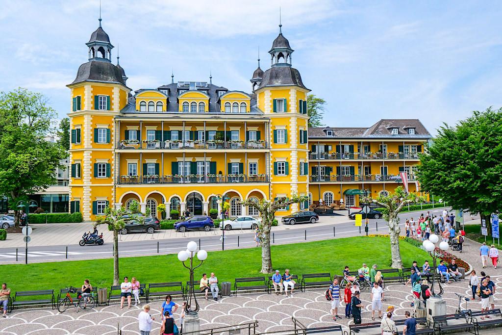 Schlosshotel Velden am Wörthersee oder besser bekannt aus der Serie Schloss am Wörthersee - Kärnten, Österreich