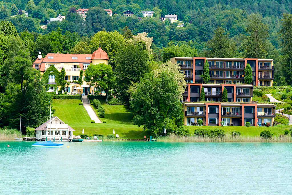Seeschlössl Velden - historische Villa heute ein edles Parkhotel am Wörthersee - Kärnten, Österreich