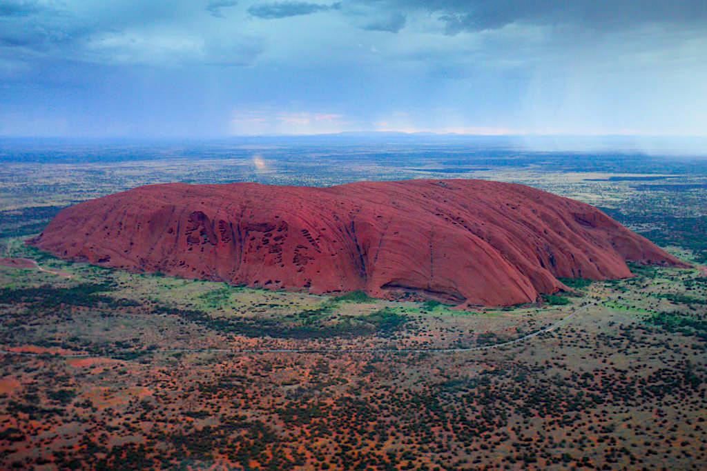 Uluru hat ein besonders starkes Erdmagnetfeld - Kraftort & hier treffen Geomantische Linien zusammen - Northern Territory