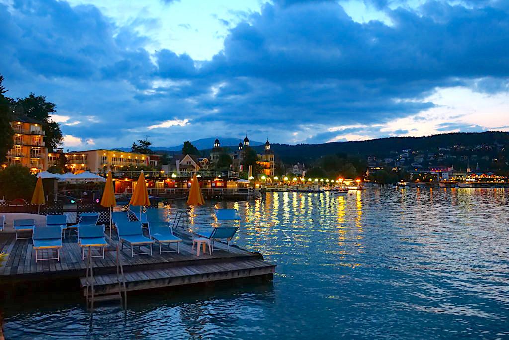 Velden - Fantastische Abendstimmung mit Wolken, Lichtern & Wörthersee - Kärnten, Österreich