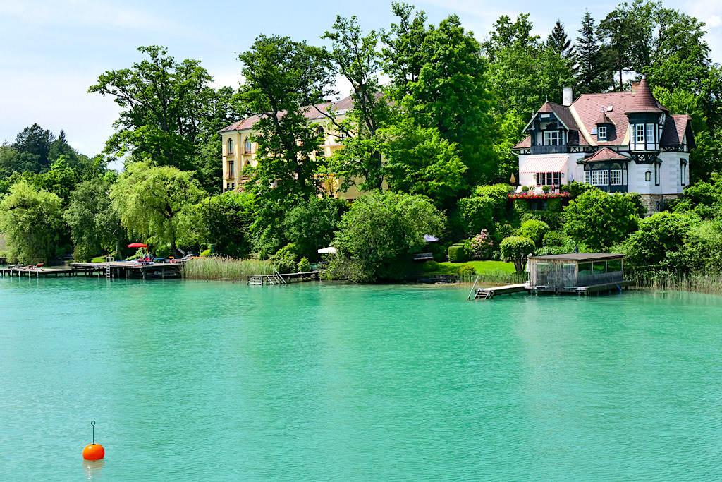 Villa Schwalbennest mit vielen Erkern und Türmchen- Wörthersee - Kärnten, Österreich