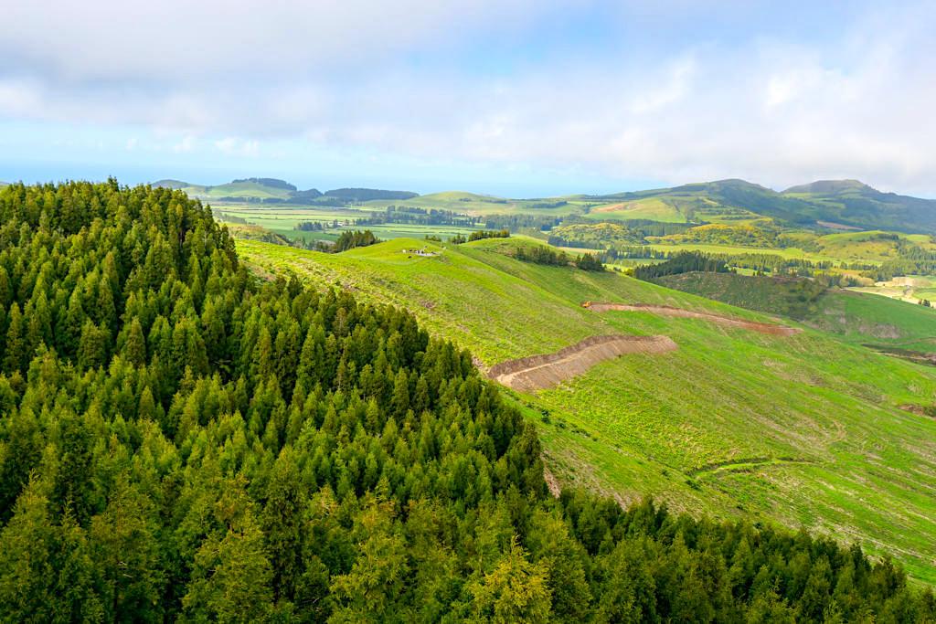 Castelo Branco - Schöner Aussichtspunkt mit herrlichem Rundblick zum Pico das Covas, Lagoa das Furnas & bis Vila Franca - Sao Miguel, Azoren