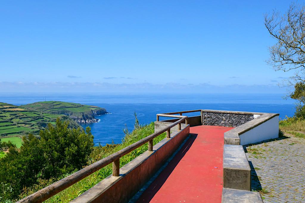 Coroa da Mata - Aussichtsplattform mit grandiosem Ausblick auf Ponta do Cintrao - Sao Miguel, Azoren