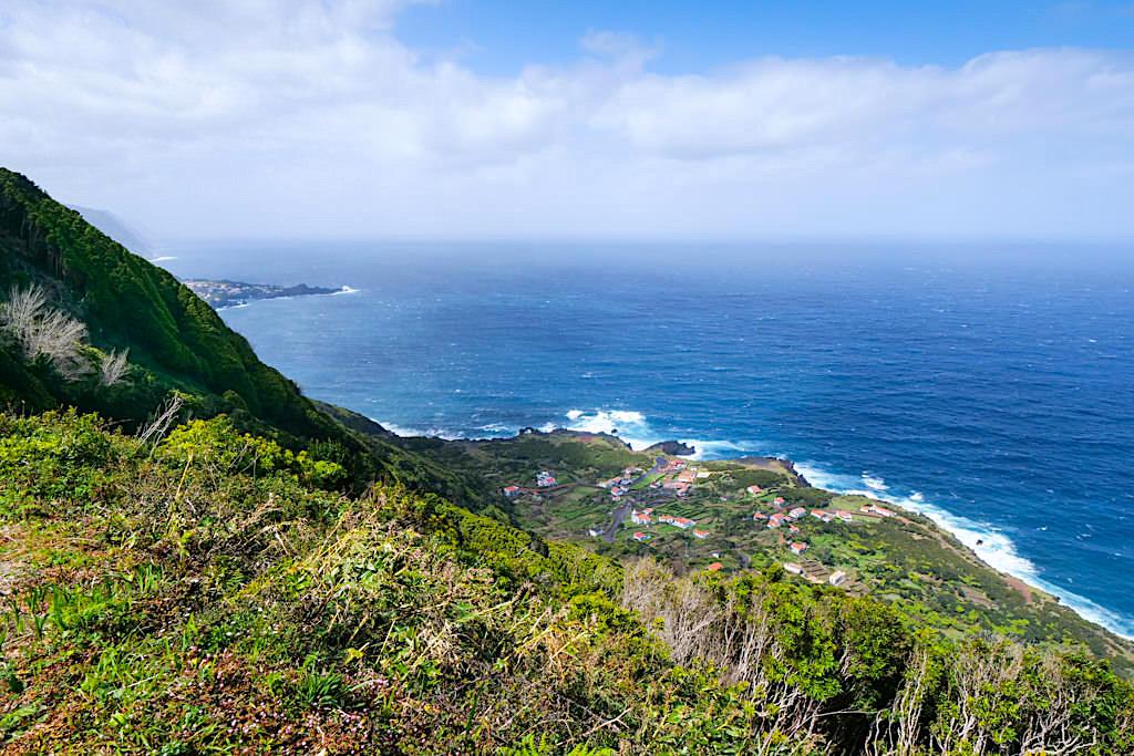 Faja da Ribeira da Areia - Fantastische Ausblick von oben an der Steilküste - Sao Jorge, Azoren