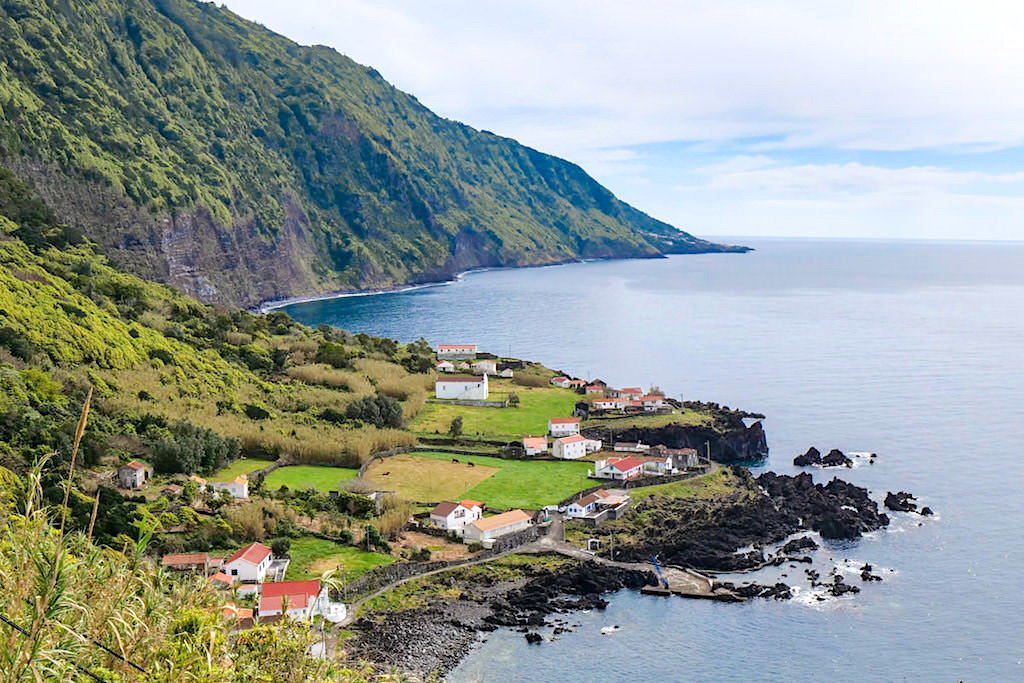 Faja das Almas - Fantastischer Ausblick auf die Faja und die Küste - Sao Jorge, Azoren