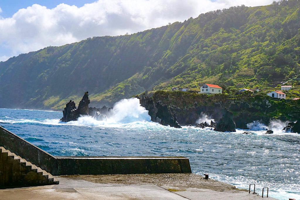 Faja do Ouvidor - wildromantischer Hafen & bizarre Lava-Felsformationen - Sao Jorge, Azoren
