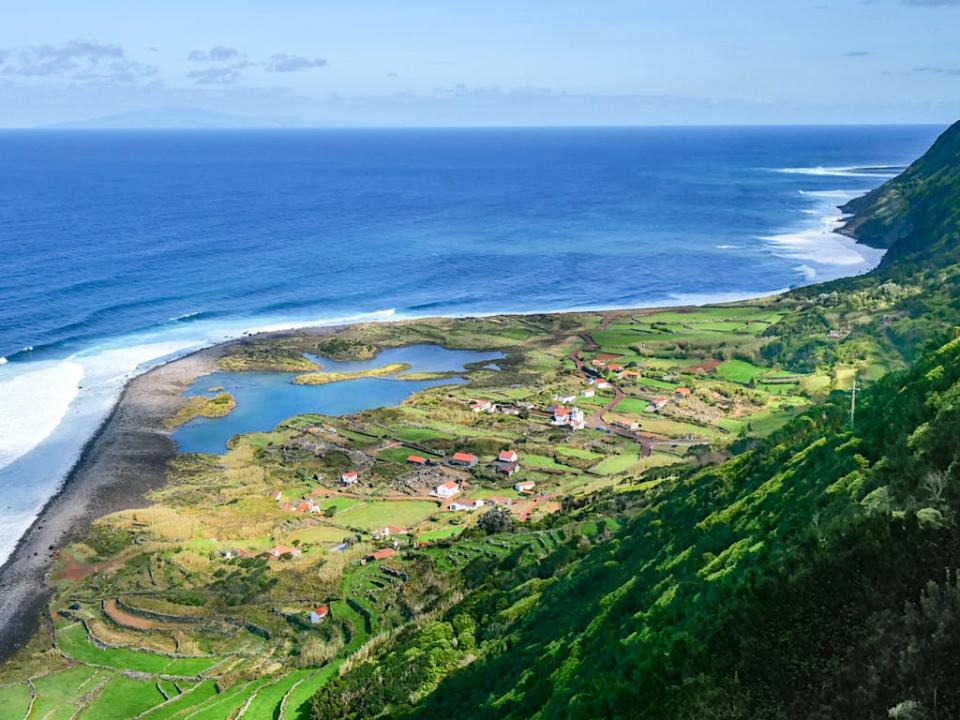 Die schönsten Fajas von Sao Jorge mit atemberaubenden Ausblicken - Fajas das Wahrzeichen von Sao Jorge - Azoren