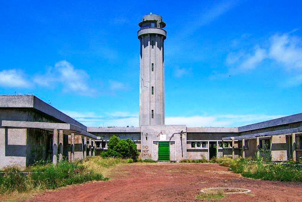 Farol da Ponta dos Rosais - Verfallene Leuchtturmanlage an der Westspitze von Sao Jorge - Azoren