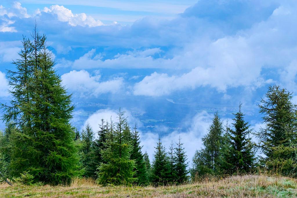 Wandern auf der Gerlitzen Alpe - Ausblicke ins Tal & auf die Berge - Kärnten, Österreich