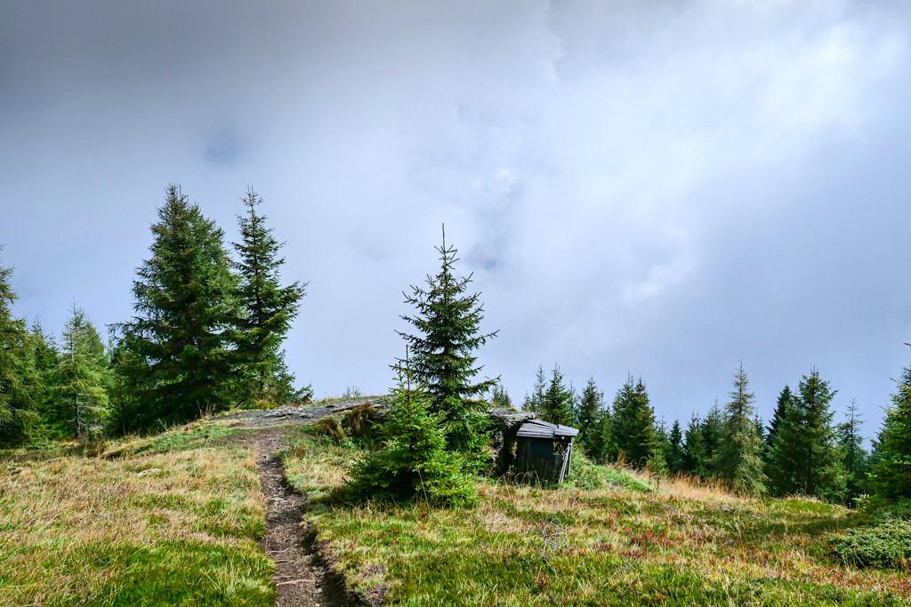 Gerlitzen Alpe Wanderung mit Ausblick auf Wolken- und Nebelwand - Kärnten - Österreich