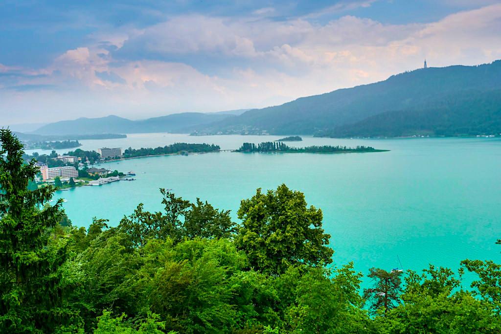 Hohe Gloriette bei Pörtschach - Faszinierender Ausblick auf Wörthersee, Pryramidenkogel & Berge im Süden - Kärnten, Österreich