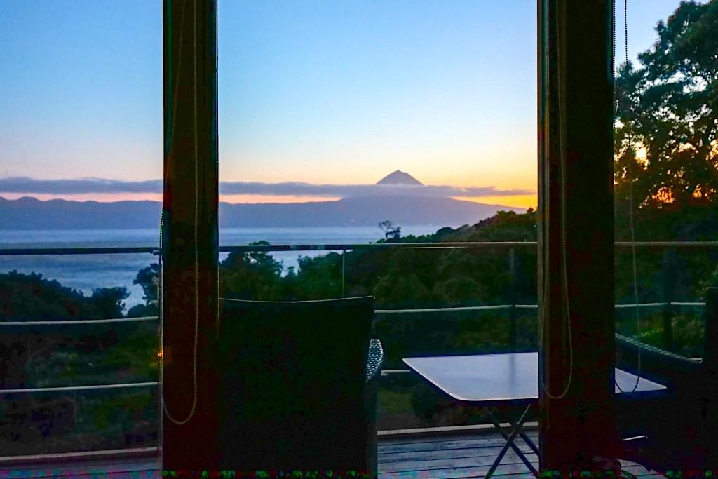 Intact Farm Bungalows - Wundervolle Ausblicke auf den Atlantik & die Insel Pico - Resort & Übernachtungsempfehlung für Sao Jorge, Azoren