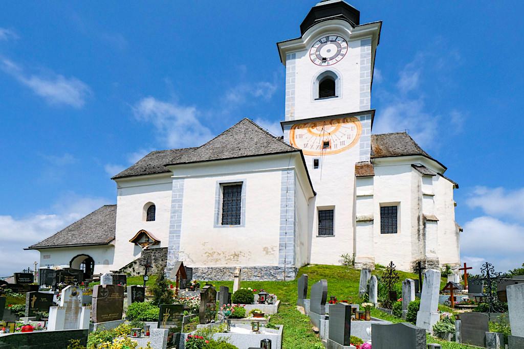 Kirche Sternberg mit idyllischem Friedhof und fantastischem Ausblick - Wernberg & Wörthersee - Kärnten, Österreich