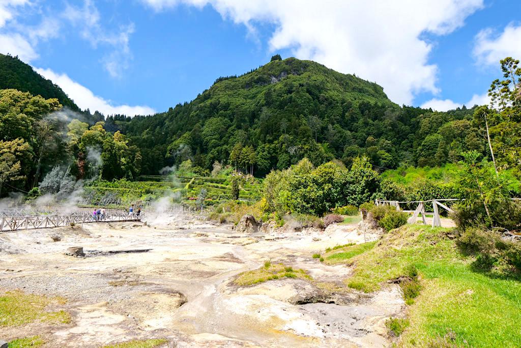 Lagoa das Furnas - Dampfende Schwefelquellen: Caldeiras am Nordostufer des Sees - Sao Miguel, Azoren