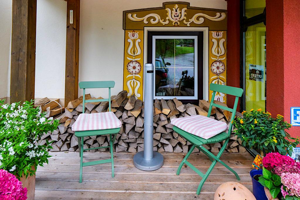 Landhaus Streklhof - Liebevoll gestaltete Raucherecke - Velden am Wörthersee - Kärnten, Österreich