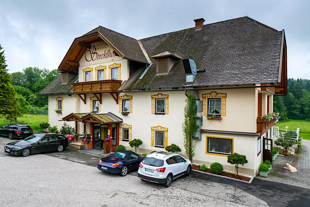 Hotel Landhaus Streklhof in Velden: grüne Idylle & Kraftort am Wörthersee - Kärnten, Österreich