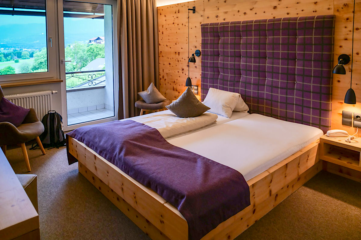 Landhaus Streklhof - Schöne Zimmer mit Zirbenholz für guten Schlaf - Velden am Wörthersee - Kärnten, Österreich