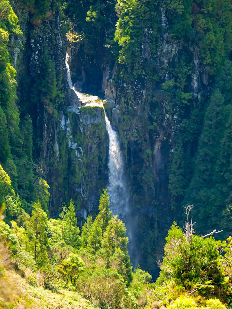 Vale das Lombadas - Grandioser, atemberaubender Wasserfall - Sao Miguel, Azoren