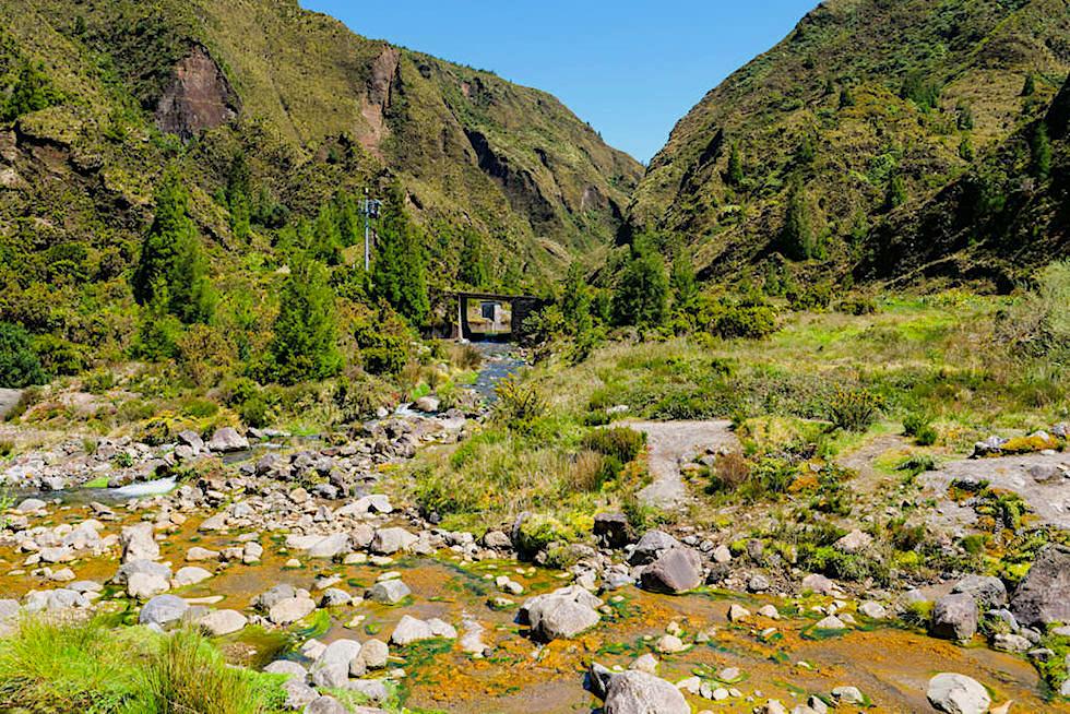 Vale das Lombadas - Zusammenfluss der farbigen Flüsse - Sao Miguel, Azoren