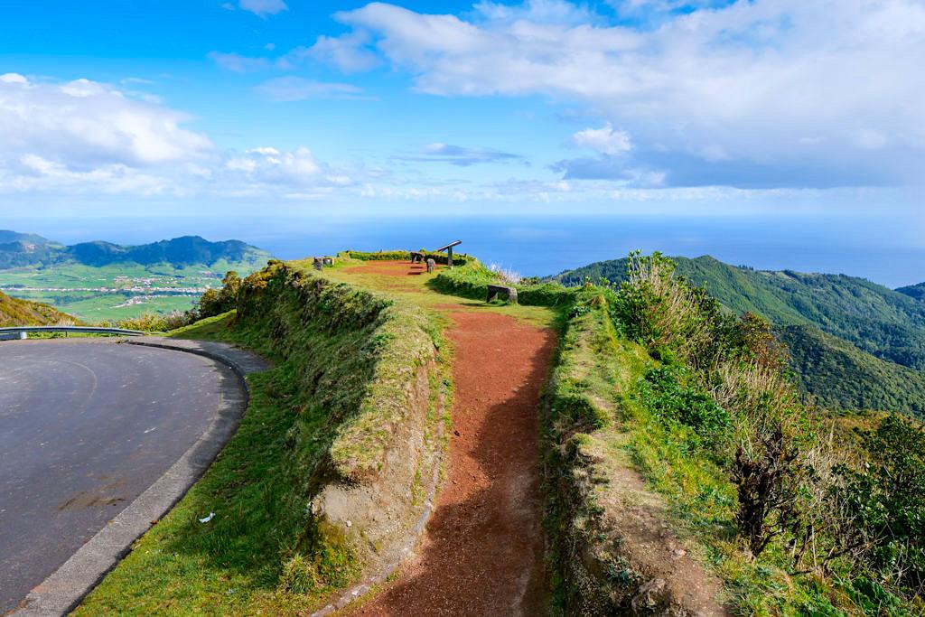 Miradouro Salto do Cavalo - Bester Ausblick auf Furnas Tal & einer der schönsten Aussichtspunkte von ganz Sao Miguel - Azorene