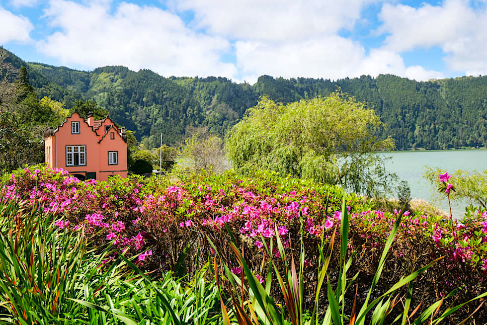 Parque Jose do Canto - Grandioser Ausblick auf Furnas See, Blüten & Sommerhaus - Sao Miguel, Azoren