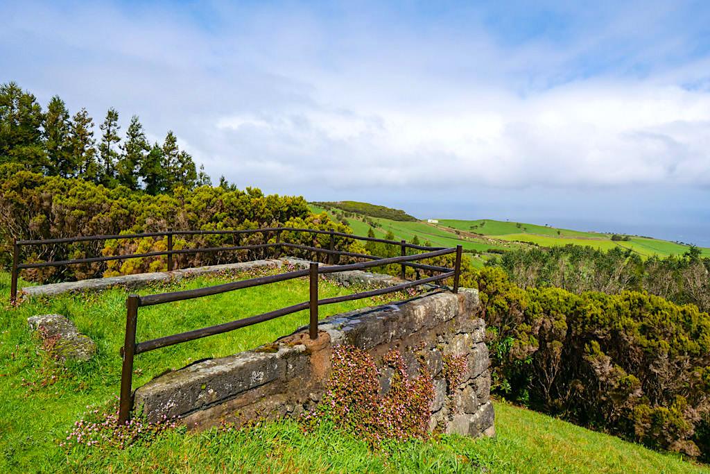 Miradouro do Pico da Velha - Grandioser Ausblick nach Norden bis nach Terceira - Sao Jorge, Azoren