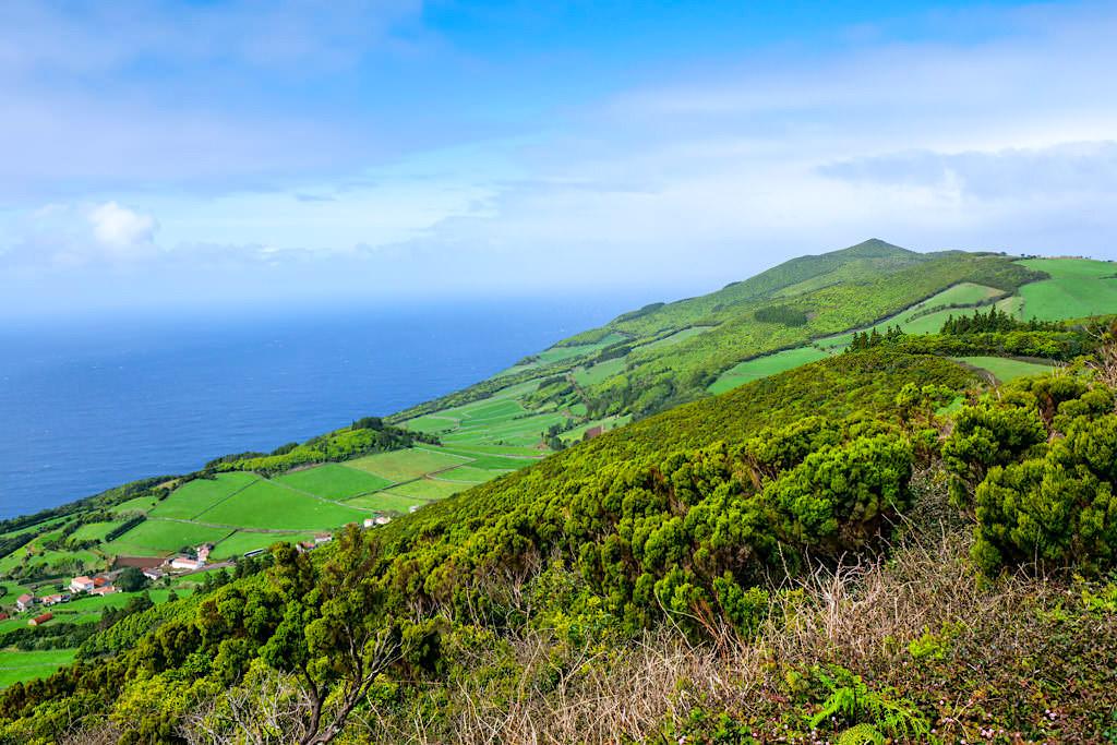 Miradoura do Pico da Velha - Grandioser Ausblick nach Westen - Sao Jorge, Azoren