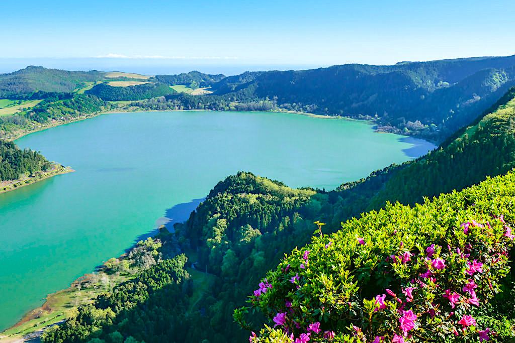 Miradouro do Pico do Ferro - Atemberaubender und bester Ausblick auf den Lagoa das Furnas - Sao Miguel, Azoren