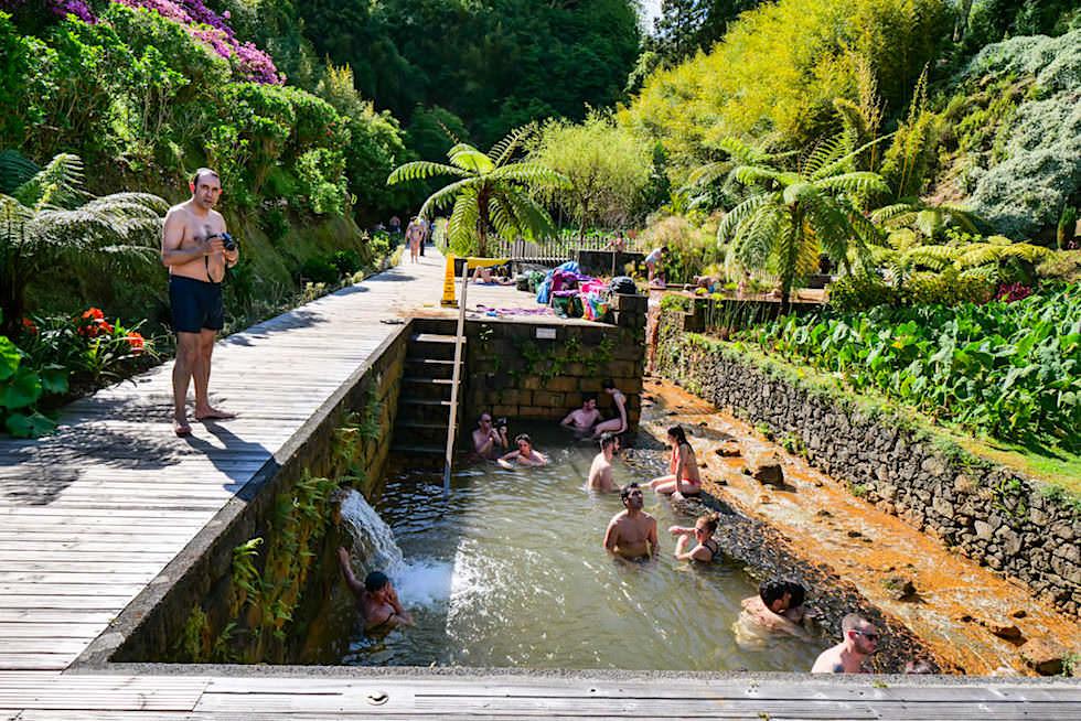 Poca da Dona Beija in Furnas -Warm-Wasserbecken laden zum Baden ein - Sao Miguel, Azoren
