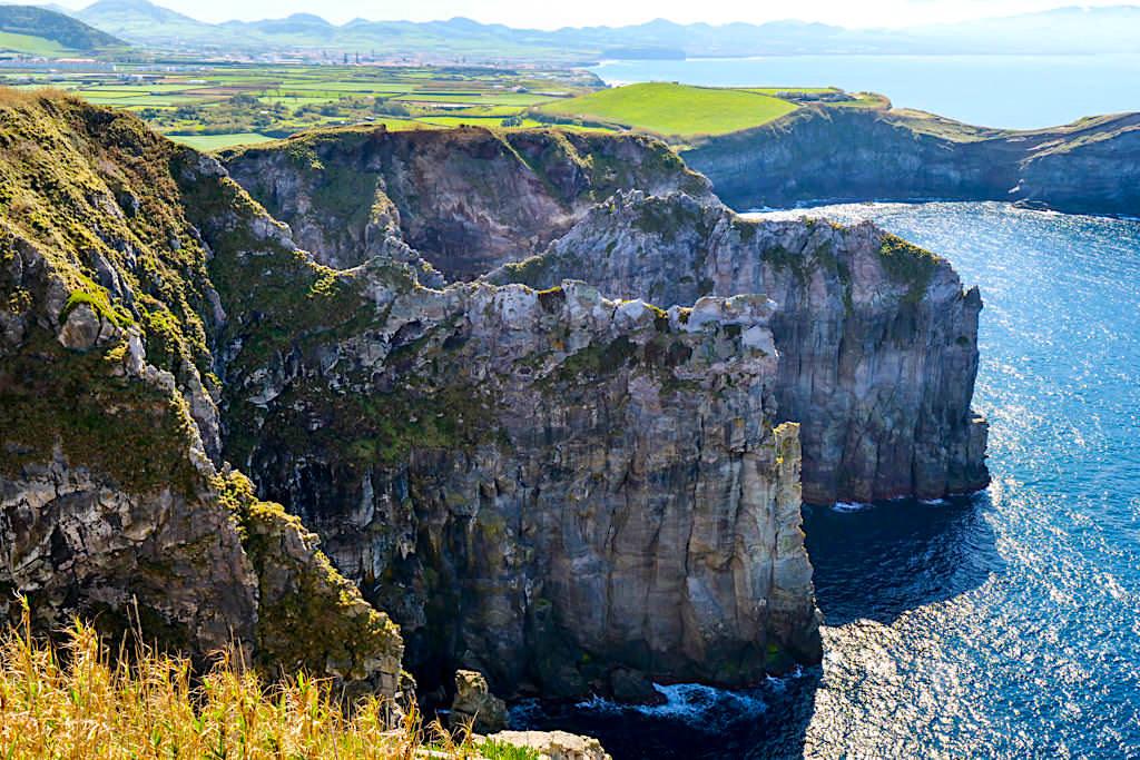 Ponta do Cintrao - Faszinierende und atemberaubende, zerklüftete Steilküste bei Ribeira Grande - Sao Miguel, Azoren