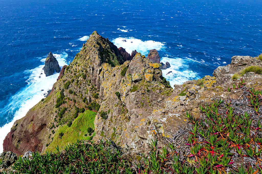 Ponta dos Rosais - Stattsehen unmöglich: spektakuläre Steilklippen an der Westspitze von Sao Jorge - Azoren