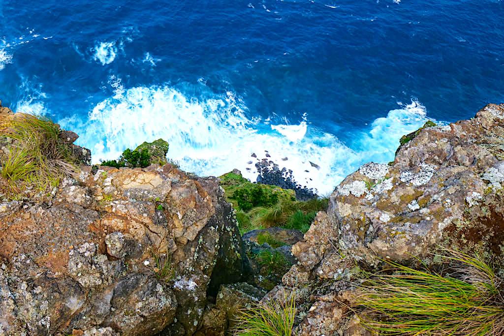 Ponta dos Rosais - Steilküste auf der Nordseite mit 300 m tiefen Ausblicken - Sao Jorge, Azoren