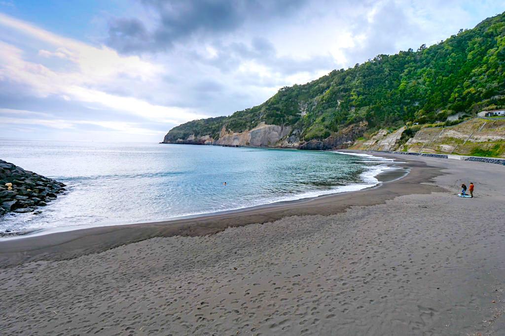 Ribeira Quente - Strand mit heißen Quellen im Meer - Sao Miguel, Azoren