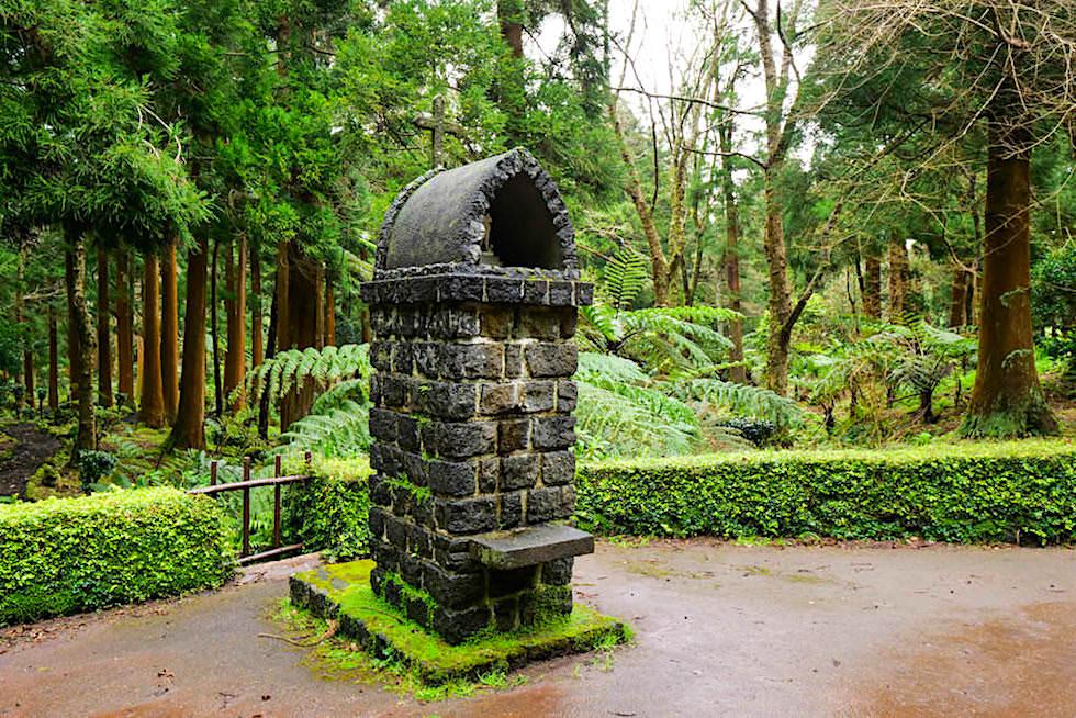 Parque das Sete Fontes - Wunderschön angelegter Park der Sieben Brunnen - Westen von Sao Jorge, Azoren