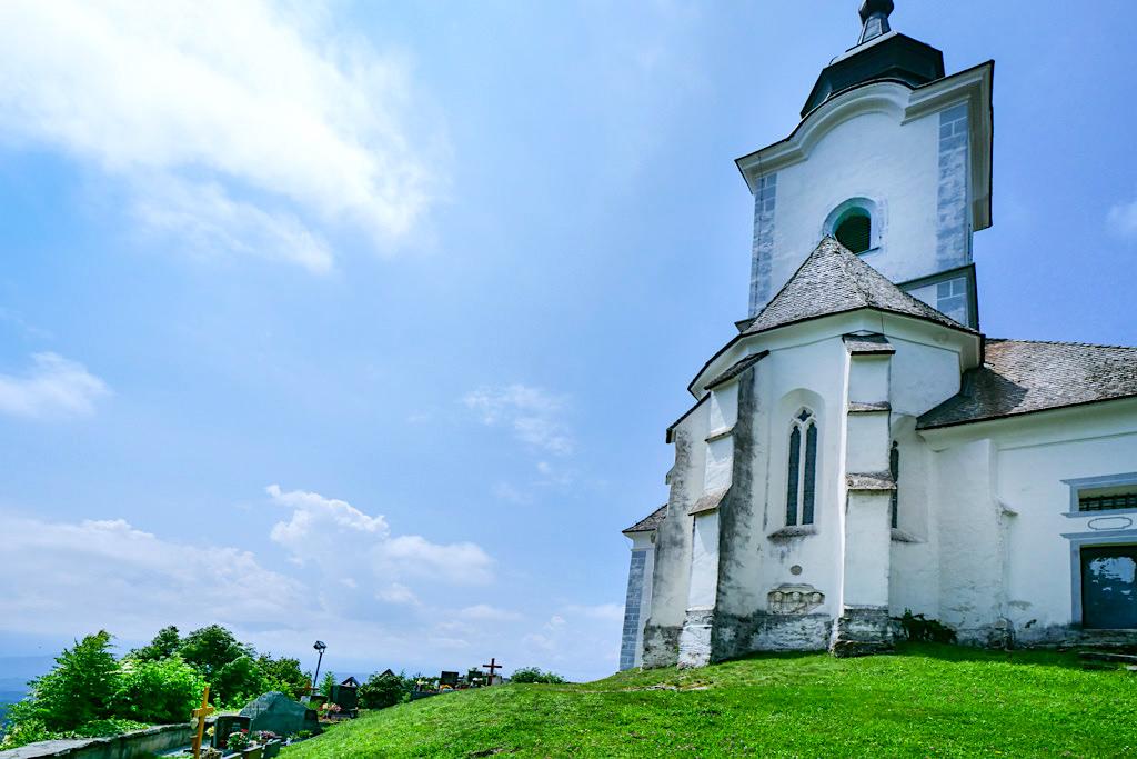 Sternberg mit Kirche & Friedhof: Kraftorte am Wörthersee - Wernberg, Kärnten - Österreich