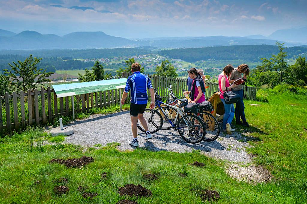 Kraftorte am Wörthersee: Sternberg kann erwandert werden. mit dem Rad erfahren oder mit dem Auto erreicht werden - Kärnten, Österreich