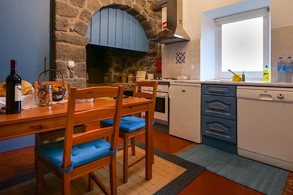 Liebevoll eingerichtete Tradicampo Eco Country Houses - Casa da Talha bei Nordeste: das Esszimmer - Sao Miguel, Azoren