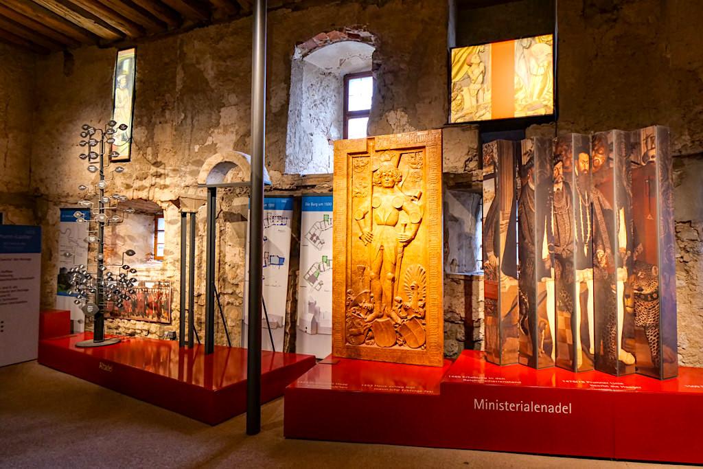 Burg Prunn - Überblick über die Adelsgeschlechter zu Beginn der Burgführung - Altmühltal, Bayern