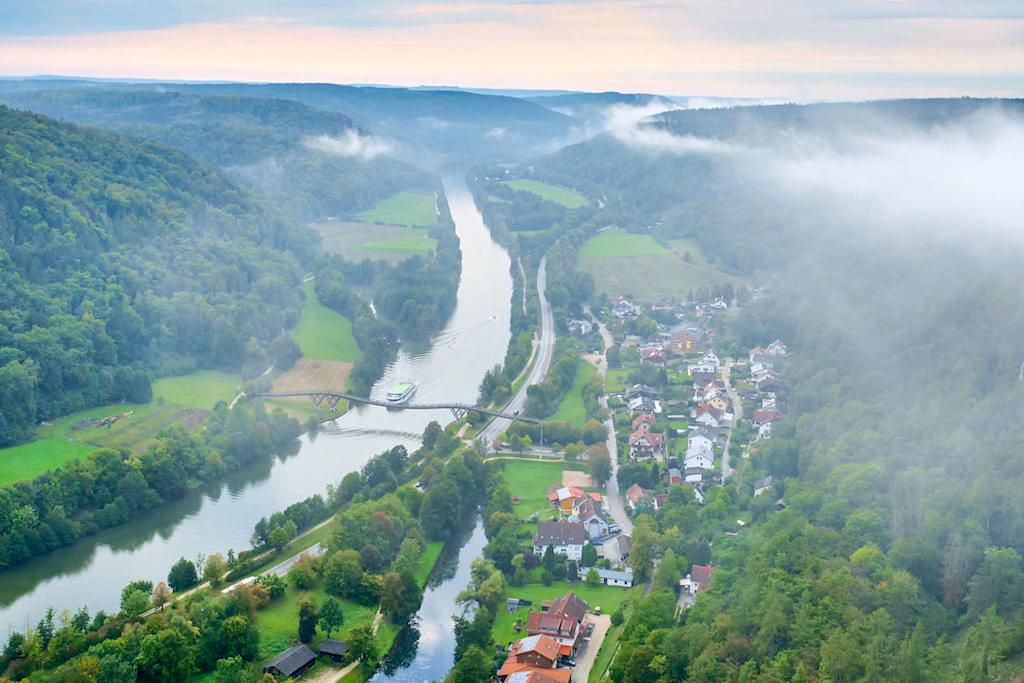 Burgruine Randeck - Ausblick vom Bergfried auf das wunderschöne Altmühltal & den Main-Donau-Kanal - Bayern