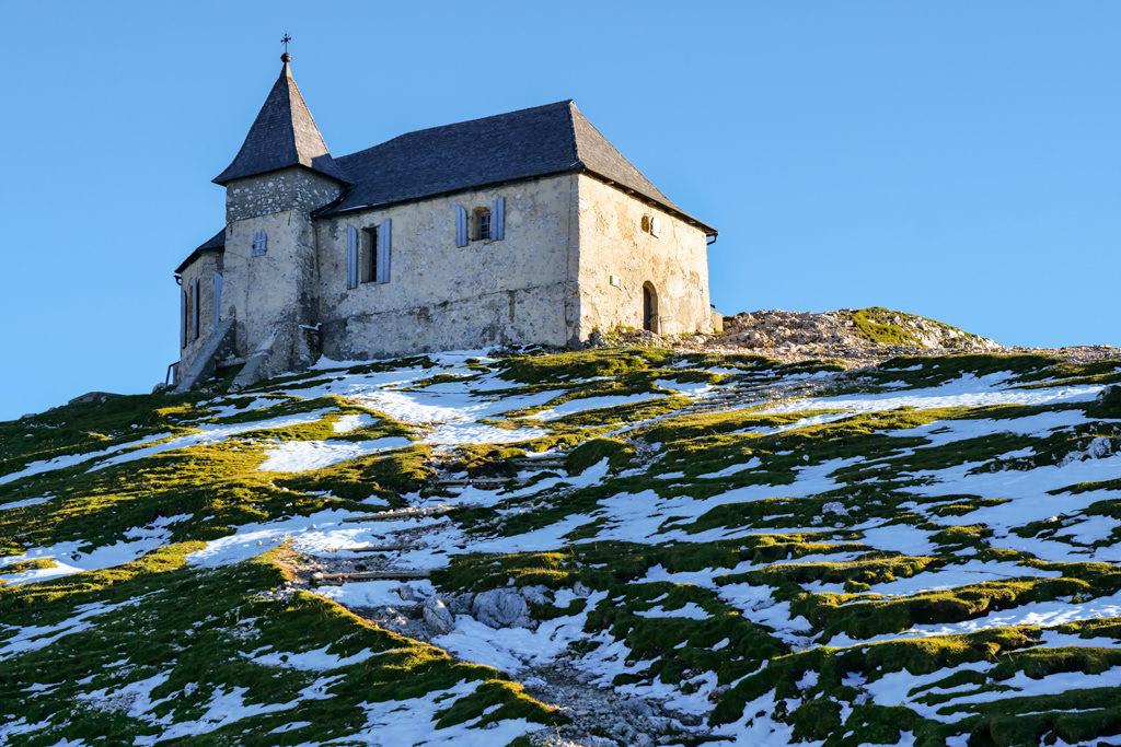 Deutsche Kapelle Maria am Stein: höchste Wallfahrtskirche in den Ostalpen - Dobratsch Gipfel - Kärnten, Österreich