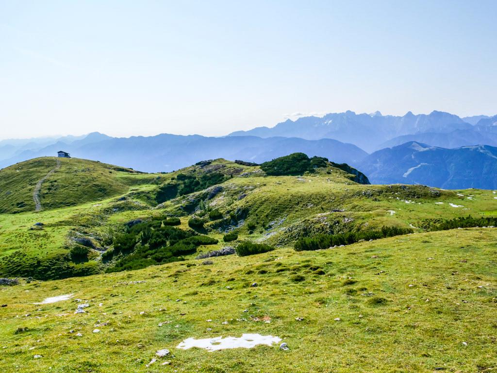 Dobratsch Almwiesen-Wanderung vom Zwölfernock zum Zehnernock - Kärnten, Österreich