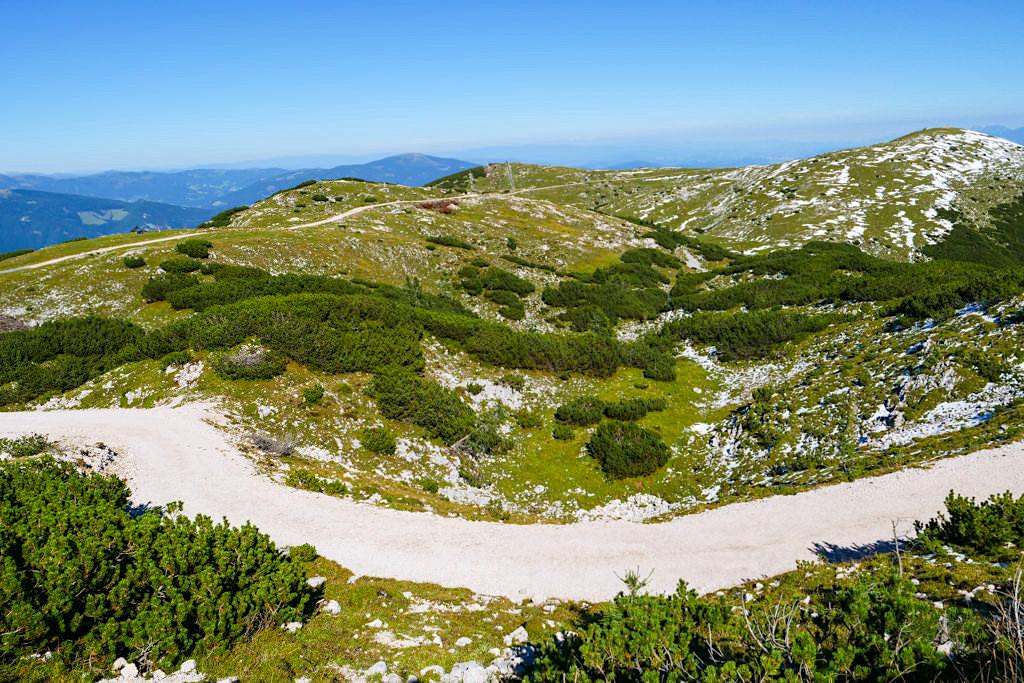 Dobratsch Normalweg Wanderung - Ausblick auf Zwölfernock & Elfernock vom Panoramaweg kurz vor dem Gipfel - Kärnten, Österreich