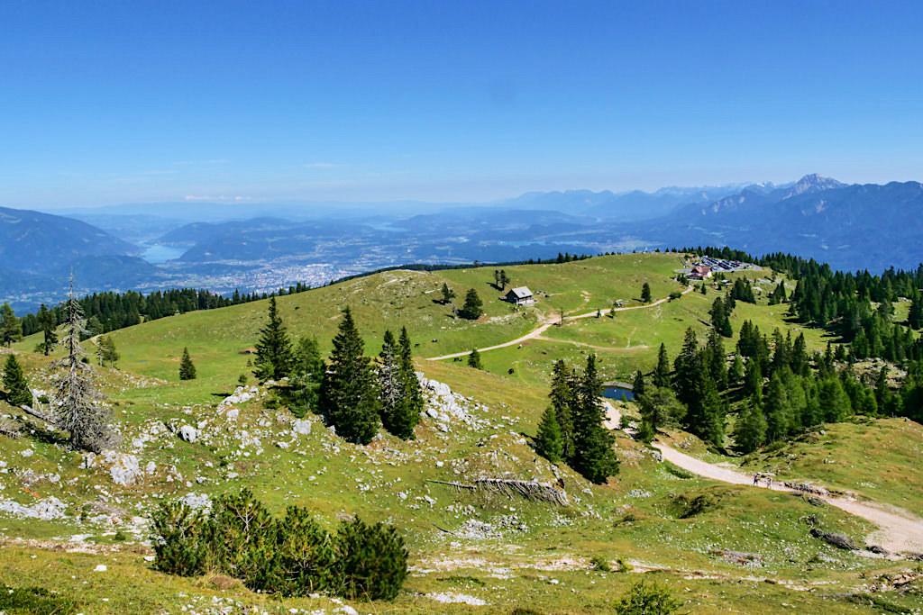 Dobratsch Wanderung auf dem Normalweg - Herrlicher Ausblick auf Rosstratten & Kärntner Seenlandschaft - Österreich