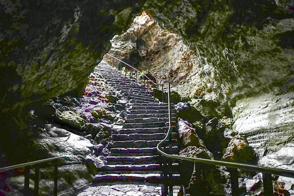 Gruta das Torres - Abstieg zur Höhle und in den Lavatunnel - Pico, Azoren