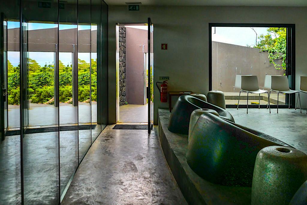 Gruta das Torres - Besucherzentrum: puristisch, preisgekrönte Architektur - Pico, Azoren