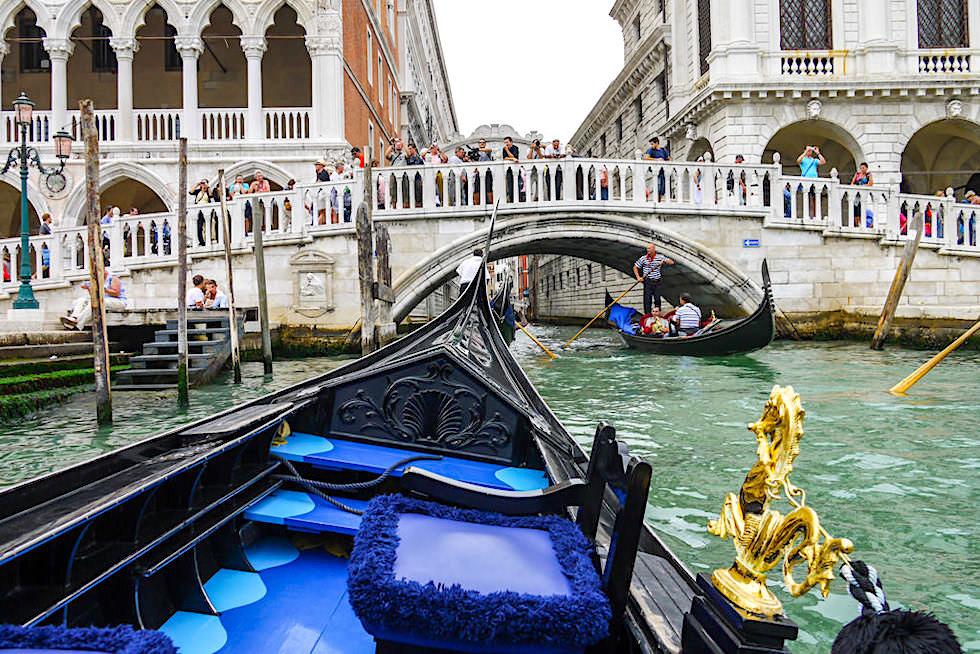 Ponte della Paglia ist der beste Ort, um auf die Seufzerbrücke zu blicken - Venedig Sehenswürdigkeiten - Italien