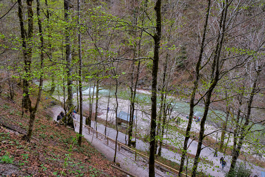 Aufstieg in Serpentinen zur Eisernen Brücke - Partnachklamm - Garmisch-Partenkirchen, Bayern